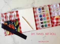 DIY travel art roll.  For your little artist!