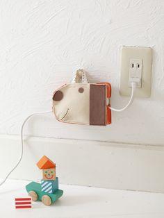子ども部屋の延長コードはわんわんバッグにかわいくまとめて!/布で楽しむおうち収納雑貨(「はんど&はあと」2012年3月号)