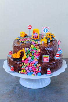 Bagger-Torte - My Work / City-Cupcakes - Kuchen Digger Birthday Cake, Digger Cake, 2nd Birthday, Birthday Ideas, Food Cakes, Chocolate Cupcakes, Chocolate Recipes, Excavator Cake, Cake Mix Cookies