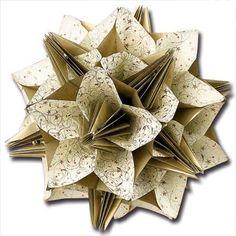Un arrêt sur l'origami                                                                                                                     ...