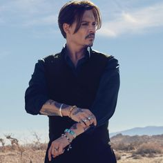 Dior-Homme-Sauvage-Fragrance-2015-Johnny-Depp-by-Jean-Baptiste-Mondino-feat