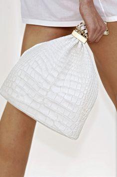 Chanel at Paris Fashion Week Spring 2007 - Details Runway Photos Cheap Designer Handbags, Cheap Handbags, Purses And Handbags, Handbags Online, Chanel Handbags, Coco Chanel, Chanel Tote Bag, Unique Purses, Chanel Spring