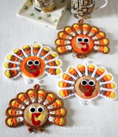 It's almost turkey time! Make sure you have your Crochet Turkey Coasters for your Thanksgiving feast this year. This crochet coaster pattern is a fun way to make your home extra festive. These coasters make perfect Thanksgiving table decorations. Mode Crochet, Crochet Fall, Crochet Home, Crochet Crafts, Yarn Crafts, Crochet Kitchen, Wreath Crafts, Appliques Au Crochet, Crochet Motifs