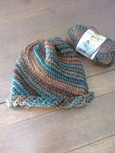 Crochet swirl beanie hat - free pattern