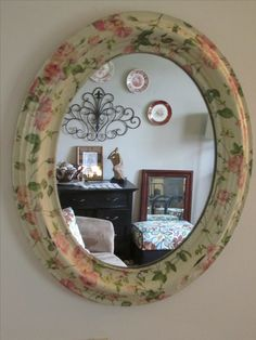 Decoupaged mirror frame with single ply napkins. Toy Boxes, Decoupage, Napkins, Projects To Try, Mirror, Frames, Charlotte, Craft Ideas, Vintage