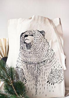 Jutebeutel mit Bär Illustration // bear illustration tote bag via Wanda.com