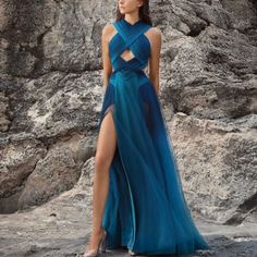 Floor-Length Sleeveless Pullover Travel Look Dress Pretty Outfits, Pretty Dresses, Ball Dresses, Ball Gowns, Dresses Dresses, Instagram Look, Elegant Dresses, Formal Dresses, Wedding Dresses