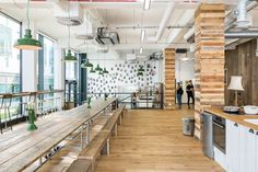HelloFresh, a popular food subscription startupthat sends pre-portioned ingredients to users' doorstep each week, hired interior design and fit-out firm Thirdway Interiors, to design their new headquarters inLondon's Shoreditch neighborhood. ... Read More