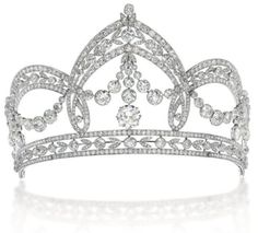 Belle Epoque old-cut diamond tiara commissioned by Italian jeweler Filippo Chiappe, court jeweler to the house of Savoy in 1913, for the wedding of Count Carlo Raggio and Marchioness Tes Spinola in 1909. Via Christie's, Geneva.