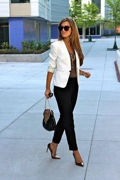 fashionable-work-outfits-for-women-27
