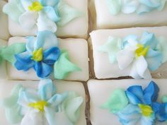 Blue frosting flowers Oh Yum~    Petite Fours