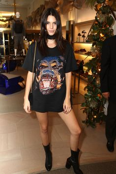 Kendall and Kylie Just Started the Easiest Fall Fashion Trend #TShirtDresses #fashion #LiteratusDesigns