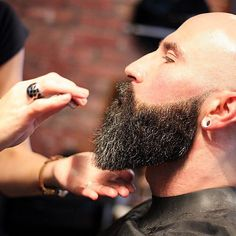 Stylist Kerri Beale doing an awesome beard grooming for this chap. one of the Bearded Villains taking his beard a lot shorter. with scissor work #beard  #beardgang #beardedvillains #beardlife #beardgrooming  #beardedman #Schorem #BritishBarbers #BritishMasterBarber  #Southampton #SouthamptonBarber #SouthamptonBarbers #BarbersSouthampton #BarberSouthampton #BarberShopSouthampton  #BarberUk #BarberLoveUk #BarberLife  #BarberPost #BarberHub #BarberGame #NewWorldBarbers #TheBarberPost…
