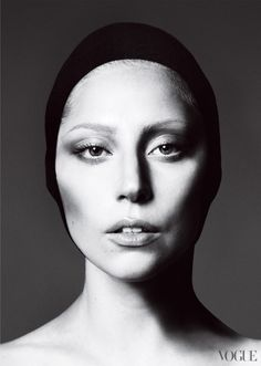 Lady Gaga, Black and White