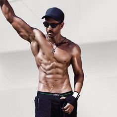 Most Handsome Men, Handsome Boys, Handsome Faces, Muscle Hunks, Muscle Men, Hrithik Roshan Hairstyle, Indian Male Model, Shirtless Hunks, Male Fitness Models