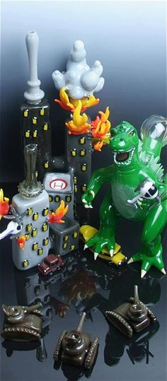 Glassblowers who smoke weed have way too much time on their hands.  I give you...Weedzilla!!!!  (Please note the airborne helicopters and little glass tanks.)  #420