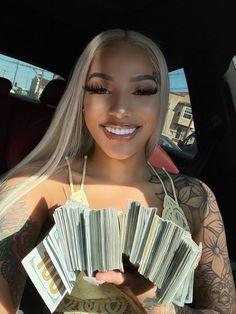 Money Girl, Mo Money, Money On My Mind, Business Baby, Gangster Girl, Billionaire Lifestyle, Black Girl Aesthetic, Rich Girl, Up Girl