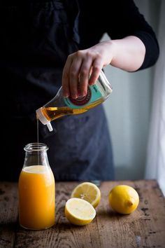 """Wake Me Up"": Morning Lemon Juice with Ginger and Agave Syrup"