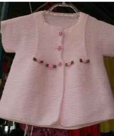Knitting Pattern for Garter Stitch Baby JacketBaby cardigan knit in garter stitch with options for knit edging or crochet edging. Baby Knitting Patterns, Crochet Baby Dress Pattern, Baby Dress Patterns, Knitting For Kids, Knit Crochet, Baby Cardigan, Cardigan Bebe, Baby Pullover, Baby Outfits