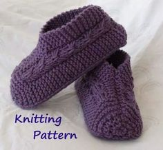 Easy to Knit Bow Slippers Tutorial Knitting Pattern for image 0 Babysocken geben frei Easy to Knit Bow Slippers Tutorial - Knitting Pattern for Kindle, iPad, Kobo, Nook, Computer Loom Knitting, Knitting Socks, Knitting Patterns Free, Free Knitting, Baby Knitting, Crochet Patterns, Sweater Patterns, Knitting Videos, Knitted Baby