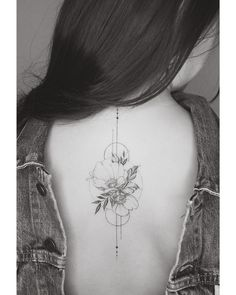 76 Most Coolest Back Spine Tattoos Ideas For Sexy Women - Page 23 of 76 - Diaror. - on back for women tattoos on back on back spine Pretty Tattoos, Love Tattoos, Tattoo You, Beautiful Tattoos, Body Art Tattoos, Tattoo Spine, Flower Spine Tattoos, Back Tattoos Spine, Arabic Tattoos
