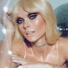 70s Disco Makeup, Retro Makeup, Glam Makeup, Disco 70s, Queen Makeup, Eyeshadow Makeup, Eyeshadow Palette, 1960s Makeup, Twiggy Makeup