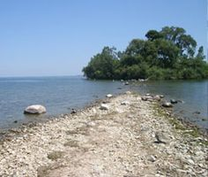 Scheef Park which leads to Buckeye Island, East point of Put-in-Bay, Ohio Put-in-Bay (Put in Bay) Island Visitor Guide. #lakeerielove visitputinbay.com @LEICBSC