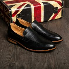 US $26 Arrival Fashion British Style Men Dress Shoes Genuine Leather Slip On Men Shoes High Quality Zapatos Hombre