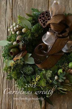 2013 Christmas wreath Classy Christmas, Christmas Swags, Woodland Christmas, Christmas Door, Holiday Wreaths, Winter Christmas, Handmade Christmas, Christmas Crafts, Christmas 2014