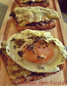 Bruschettas de hongos y espárragos con huevo poché/escalfado// Asparagus, Cremini Mushrooms Bruschettas with Poached Egg by Bouquet Garni Recetas
