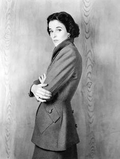 Digby Morton A/H 1946-47. Photo Clifford Coffin. Babe Paley.