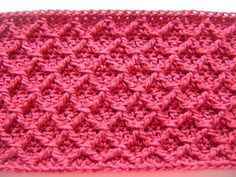 diamond crochet cowl ~ but this pattern would be great for an afghan too!