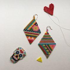 Working with Miyuki Delica beads 😍 Seed Bead Jewelry, Seed Bead Earrings, Beaded Earrings, Beaded Jewelry, Handmade Jewelry, Bead Art, Bead Weaving, Beading Patterns, Jewelry Crafts