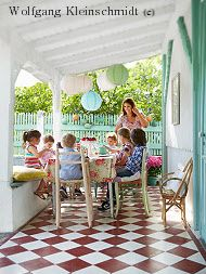 The Beachouse : A stunning wooden seaside villa in Montalivet, Medoc, France. Unusual Homes, Outdoor Furniture Sets, Outdoor Decor, Holidays With Kids, Family Holiday, Best Hotels, Seaside, Travel Inspiration, Places To Go