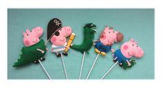 George Pig com dino/George Pig pirata/George Pig sujo de lama/George Pig com fantasia dinossauro/Dino pirata