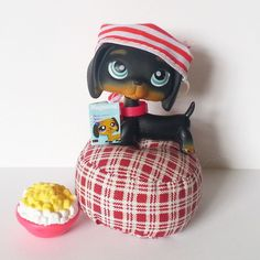 Littlest Pet Shop Dachshund Brown 325 Collar Pillow Magazine Popcorn Bandanna #Hasbro