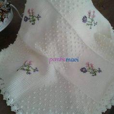 Discover thousands of images about Bu da Yeni biten el emeğim Bebek battaniyesi ve kırlenti Baby Knitting Patterns, Afghan Patterns, Baby Patterns, Crochet Patterns, Knitted Afghans, Knitted Baby Blankets, Baby Afghans, Manta Crochet, Tunisian Crochet
