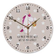 30 cm Wanduhr Einhorn Künstler aus MDF Weiß - Das Original von Mr. & Mrs. Panda. Diese wunderschöne Uhr von Mr. & Mrs. Panda wird liebeveoll in unserem Hause bedruckt und an sie versendet. Sie ist das perfekte Geschenk für kleine und große Kinder, Weltenbummler und Naturliebhaber. Sie hat eine Grösse von 30 cm und ein absolut LAUTLOSES Uhrwerk. Über unser Motiv Einhorn Künstler Das Künstler-Einhorn ist das perfekte Geschenk für kreative Menschen. Wer würde sich seine Welt nicht...
