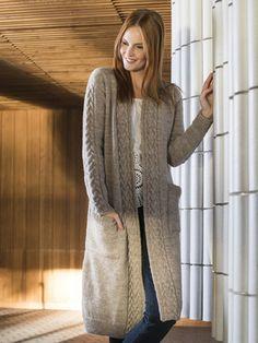 Free Knitting Pattern for a Long Women's Cabled Cardigan ⋆ Knitting Bee Knitted Coat Pattern, Knit Cardigan Pattern, Long Knit Cardigan, Long Sweater Coat, Knit Jacket, Knitted Jackets Women, Long Sweaters For Women, Cardigans For Women, Women's Cardigans