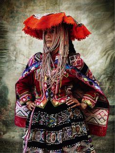 Alta Moda de Mario Testino: La exhibición que retrata la tradición ...