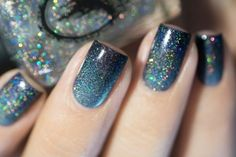 Winter nails for a cheerful winter mood Elegant Nail Designs, Winter Nail Designs, Nail Art Designs, Silver Glitter Nails, Metallic Nail Polish, French Nails, Photomontage, Long Fingernails, New Years Eve Nails