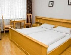 Berlin Family Hotels- Our picks of the best places to stay in Berlin with kids! Choose from holiday apartments and hotels! Berlin With Kids, Holiday Apartments, Cool Kids, The Good Place, Hotels, Bed, Furniture, Home Decor, Decoration Home