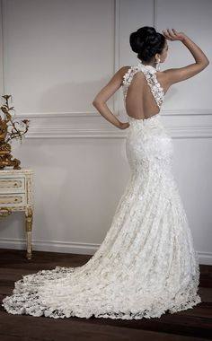 Backless Wedding Dresses: Show Them Your Beauty - The Wedding Ku