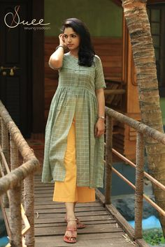 Handloom Check Kurti with Yellow Palazzo Simple Kurti Designs, Kurta Designs Women, Kurti Neck Designs, Dress Neck Designs, Salwar Designs, Kurti Designs Party Wear, Blouse Designs, Kurti Sleeves Design, Sleeves Designs For Dresses