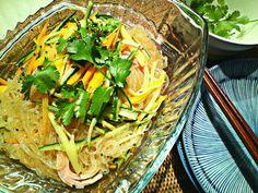 ゆこちゃんの春雨サラダ、また作りましたー! 前日に作って冷やしておけるので便利♪  醤油のかわりにナンプラーを使ってベトナム風にアレンジ。 - 153件のもぐもぐ - seaonmamaさんの春雨サラダ!リピート。 by MakiHiro