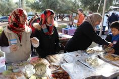 Nice Time: Tucson Can't Get Enough Of Syrian Refugees' Baked Sweets, Because Yum! ...  Read more at http://wonkette.com/609527/nice-time-tucson-cant-get-enough-of-syrian-refugees-baked-sweets-because-yum#El46hu6XrRUlP0Ld.99