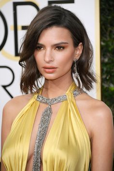 The 14 best hair and makeup ideas to try from the 2017 Golden Globes: Emily Ratajkowski Jessica Biel, Jessica Chastain, Emily Ratajkowski, Olivia Culpo, Blake Lively, Celebrity Eyebrows, Hollywood Actress Photos, Glamorous Hair, Jolie Lingerie