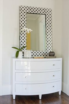 'pert near the cutest mirror idea i have ever seen