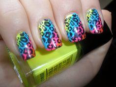 I just love cheetah print! & these nails.