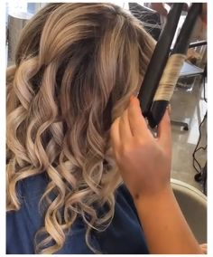 Curls For Long Hair, Easy Hairstyles For Long Hair, Curly Hair Tips, Curled Hairstyles, Soft Curls, Loose Curls, Flat Iron Hairstyles, Curl Long Hair, Hair And Beauty